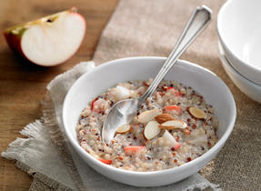 Apple Cinnamon Quinoa Porridge