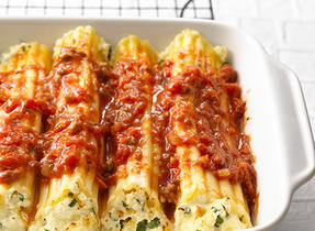 Baked Manicotti (Cooking Club Size)