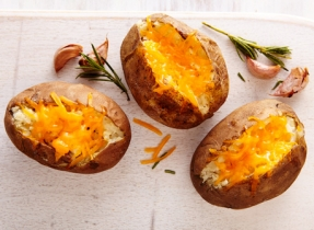BBQ garlic potatoes with Cheddar