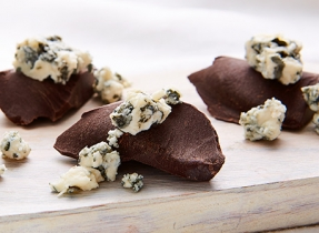 Blue cheese & dark chocolate