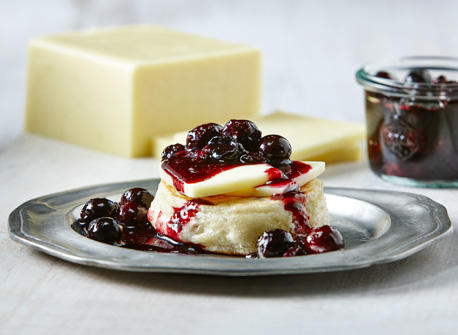 Blueberry jam with Canadian Aged Cheddar  Recipe