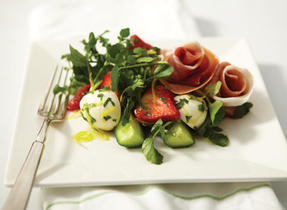 Bocconcini, prosciutto and strawberry salad