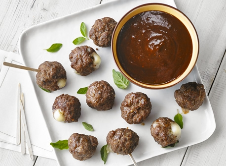 Bocconcini-stuffed meatballs Recipe