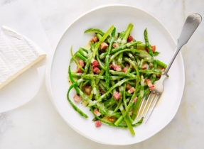 Brie & asparagus carbonara