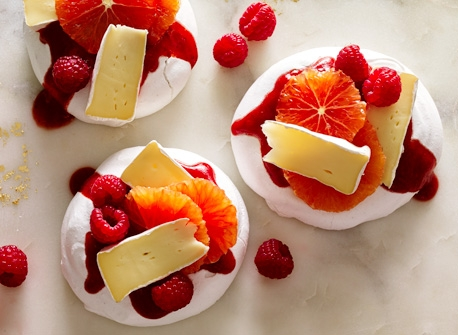 Brie & fruit pavlova Recipe