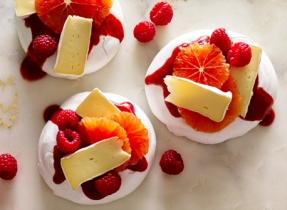 Brie & fruit pavlova
