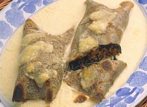 Buckwheat Crepes with Ground Pork and Spinach Filling