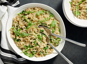 Caramelized Onion and Arugula Quinoa