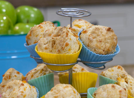 Cheddar and Apple Buttermilk Scones Recipe