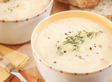 Cheddar, Cauliflower and Potato Soup (Cooking Club Size)