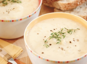 Cheddar, Cauliflower and Potato Soup