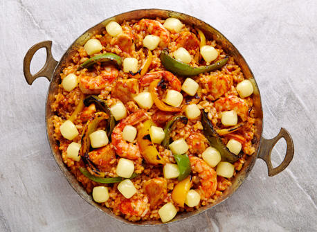 Cheesy paella with grilled peppers Recipe
