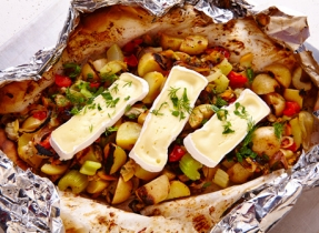 Clam chowder papillote with Brie