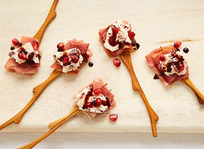 Cream cheese & prosciutto cocktail bites