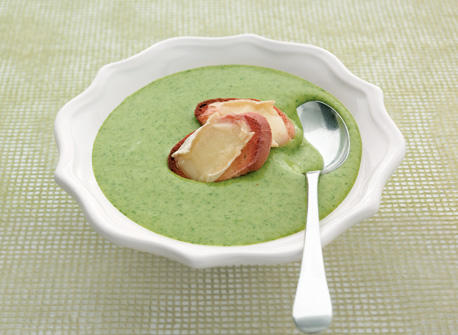 Cream of Potato and Spinach Soup with Brie Croutons Recipe