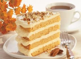 Creamy Maple Nut Cake