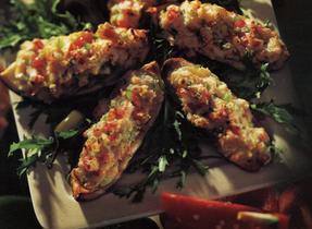 Creamy Shrimp Stuffed Potatoes Recipe by Southern Crockpot | ifood.tv