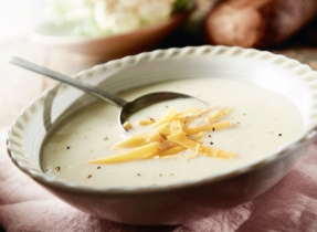 Easy Cauliflower Cheddar Soup