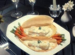 Fish in a Pouch with Mushroom Sauce