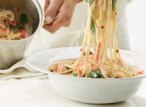 Garlic Shrimp and Spinach Linguine