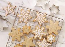 Gingerbread Snowflakes with Perron 1-Year Cheddar