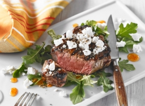 Glazed beef medallions with Feta