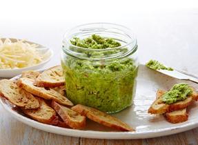 Gouda asparagus pesto