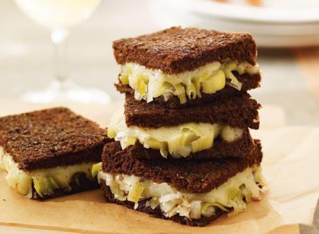 Grilled cheese sandwich with leek confit Recipe