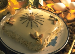 Honey and Almond Cake