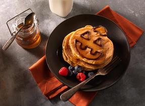 Jack O' Lantern Pumpkin Pancakes