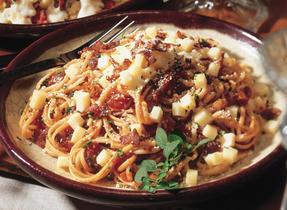 Linguini Pomodoro with Crisp Bacon
