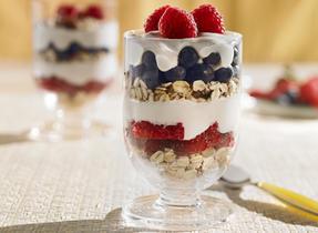 Make-Ahead Berry Breakfast Parfaits