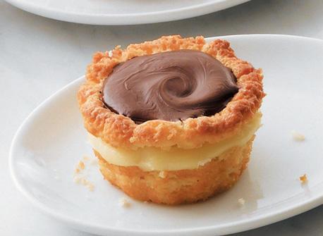 Boston cream pie - 4 1