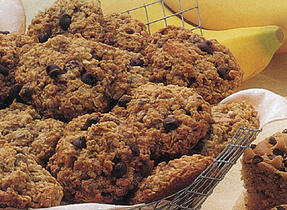 Oatmeal, Chocolate and Almond Cookies
