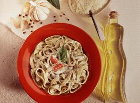 Pasta with Creamy Pesto Sauce