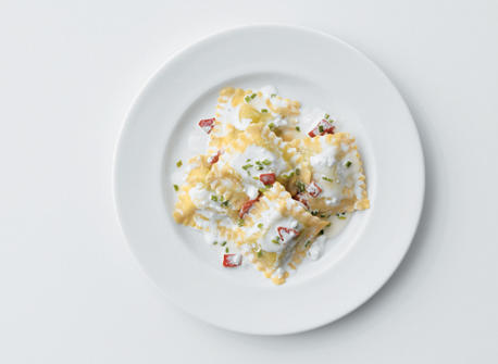 Ravioli with Ricotta and Roasted Red Peppers Recipe