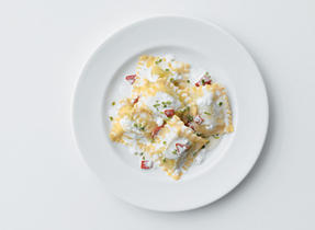 Ravioli with Ricotta and Roasted Red Peppers