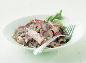 Rigatoni with Veal, Mushrooms and Red Peppers