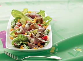 Roast Beef Dinner Salad with Cheddar