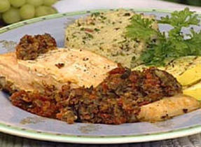Salmon en Papillote with Black Olives and Sun-dried Tomatoes