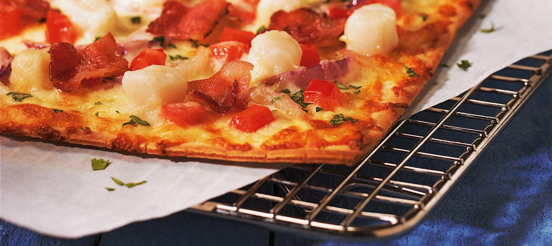 Scallop and Coriander Pizza with Mozzarella recipe | Dairy Goodness