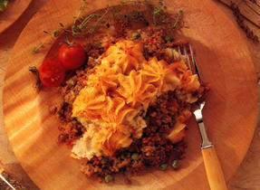 Shepherd's Pie with Cheesy Mashed Potatoes