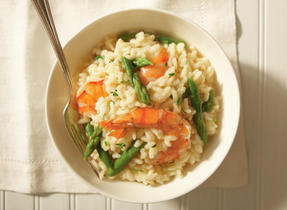 Simple risotto with shrimp, asparagus and Aged Cheddar