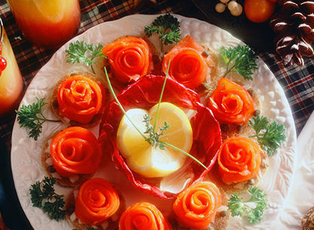 Smoked salmon canap s recipe for Canape hors d oeuvres difference