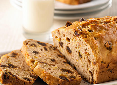 Spice Cake with Canadian Cheddar and Dates (Cooking Club Size) Recipe