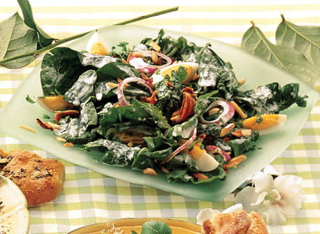 Spinach Salad with Chunky Blue Cheese Dressing Recipe