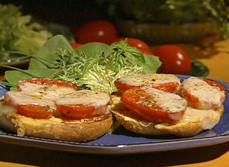 Toast with Tomatoes and Saint-Paulin Recipe