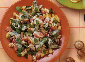Vegetables With Fusilli in Thai Sauce