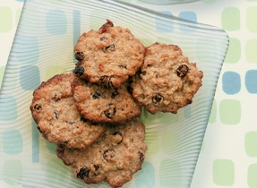 Honey Oatmeal Raisin Cookies