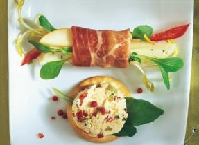 Pear and Prosciutto Bites with Havarti